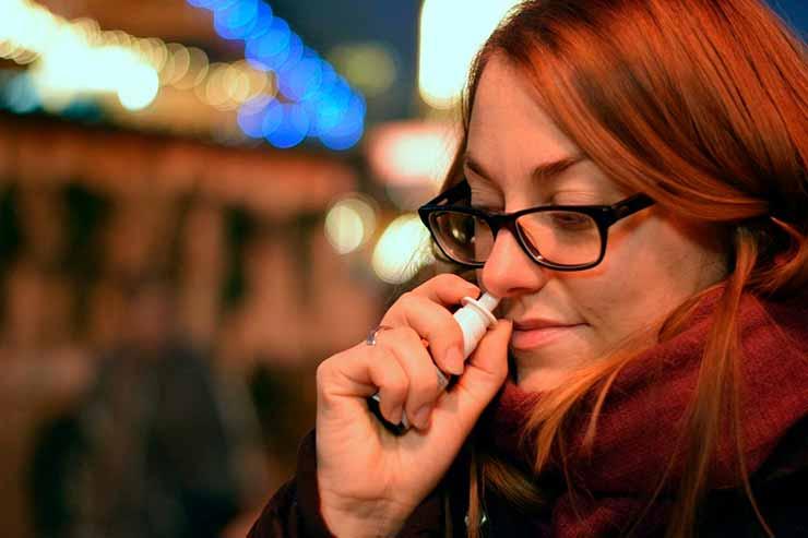 Spray nasal para evitar dor de ouvido no avião