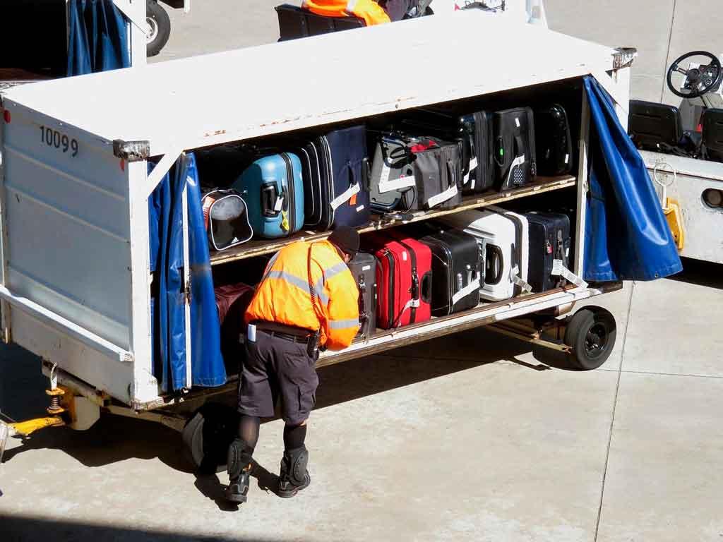 Como viajar só com bagagem de mão dica extra