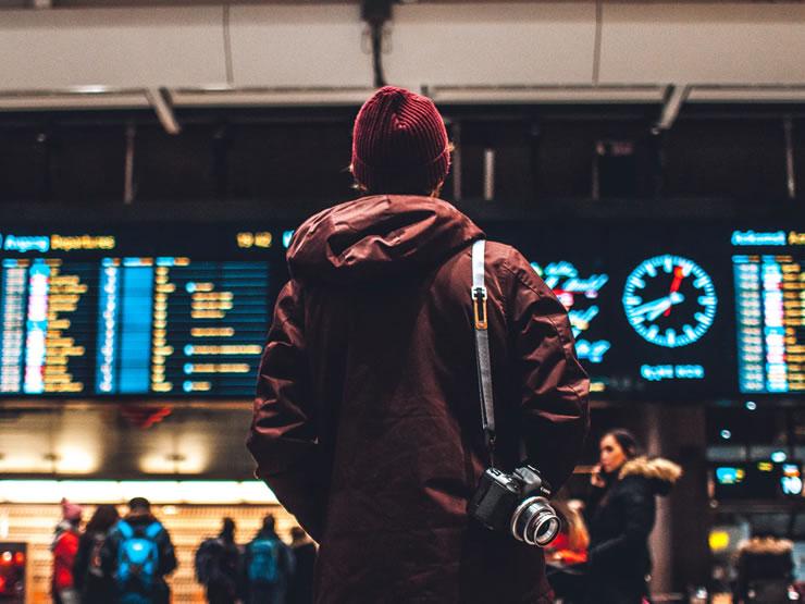 viagem de avião o que fazer em um aeroporto