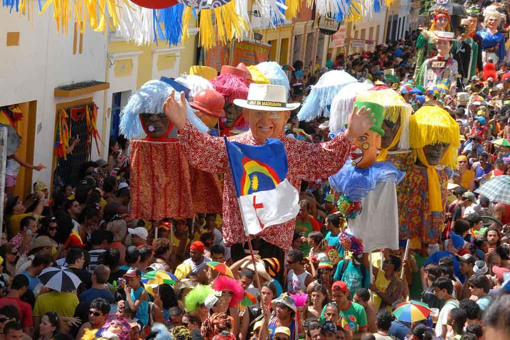 O que fazer em Recife embaixada dos bonecos gigantes