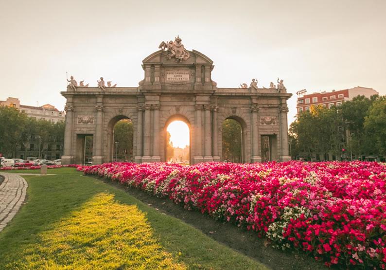 Pontos Turísticos em Madri Puerta de Alcalá