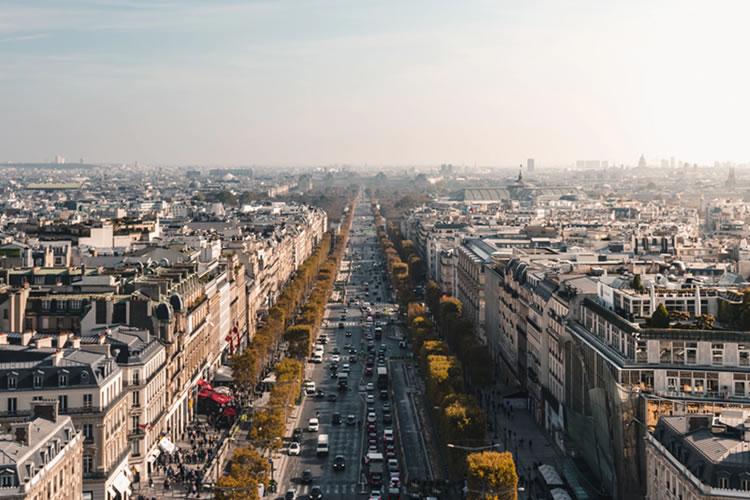 viagem para paris Avenida Champs-Élysées