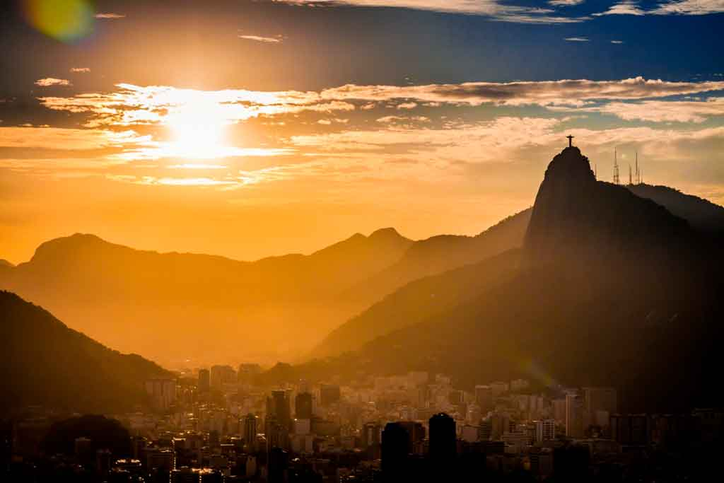 Cristo Redentor ao pôr do sol