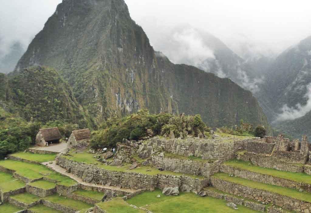 Cidade de Lima fica em que país?