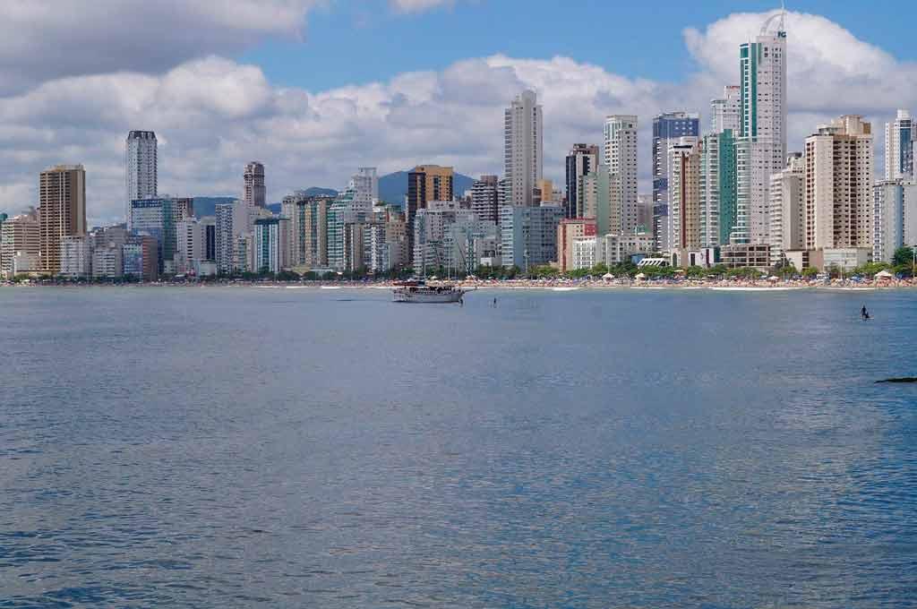 Cidades turísticas de Santa Catarina: Balneário Camboriú