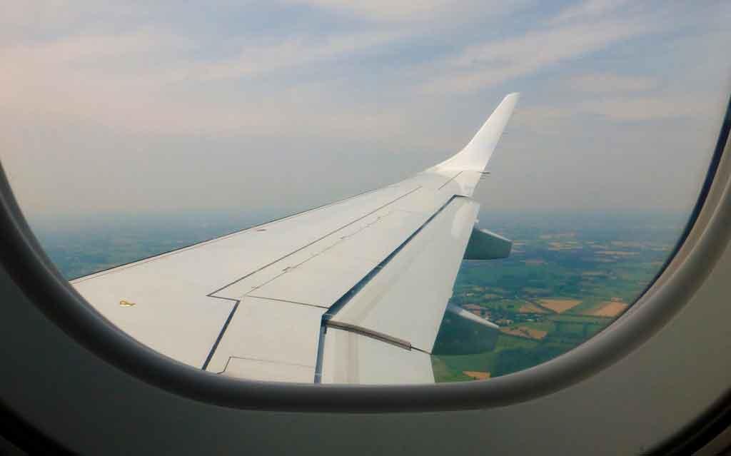 melhores assentos avião próximo às asas
