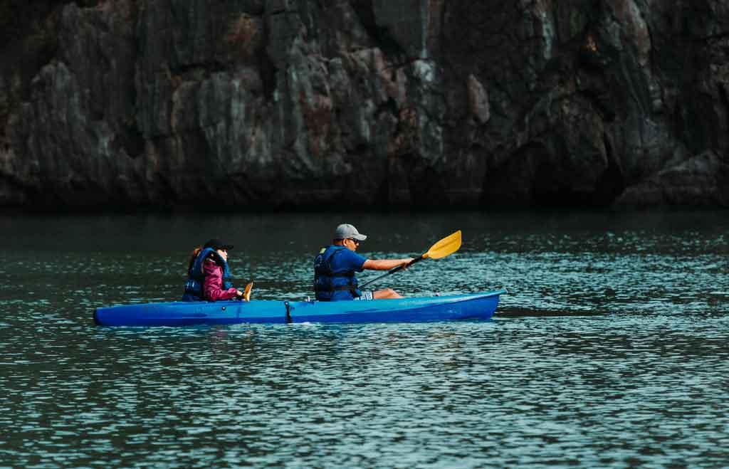 Passeios de barco, lancha ou caiaque