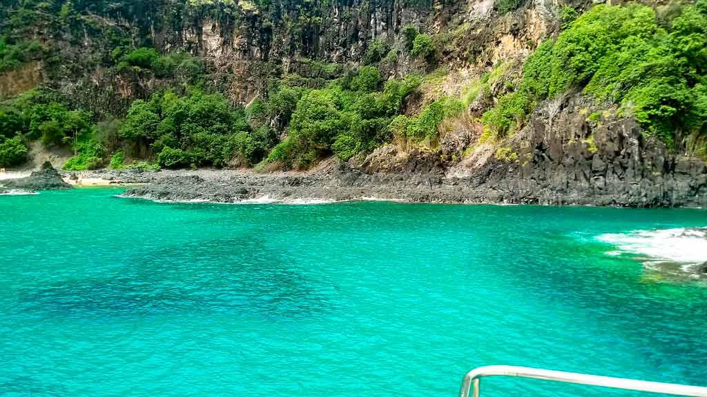 Praias Paradisíacas: Baía do Sancho