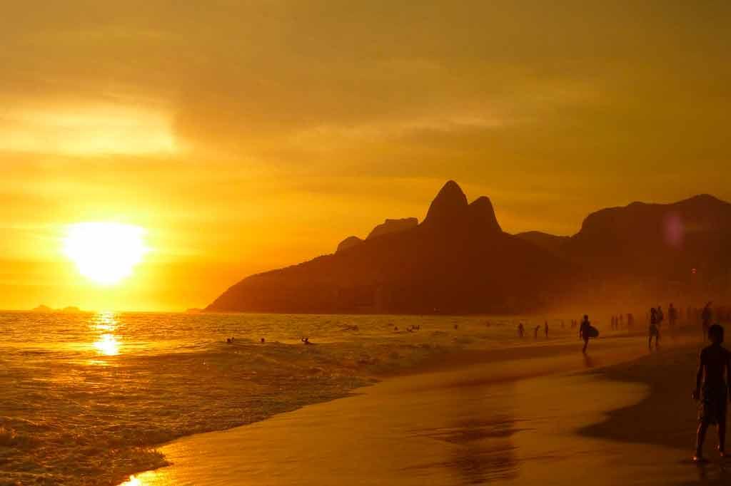 Turismo de sol e praias no Brasil