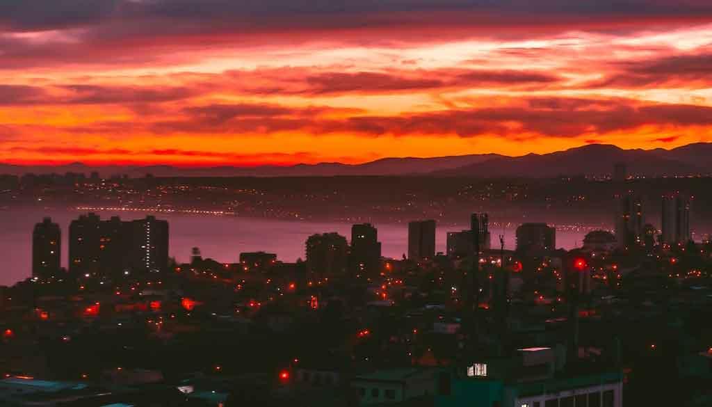 Valparaíso à noite