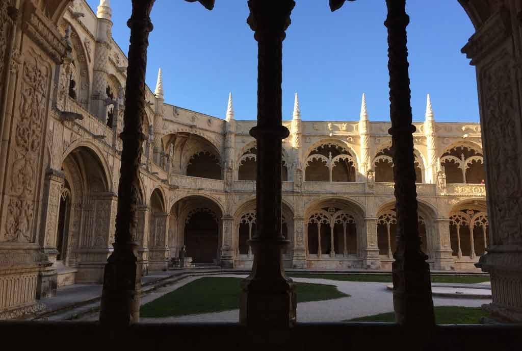 O que é preciso para Estudar em Portugal