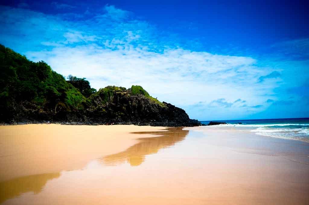 praias de fernando de noronha praia do leao