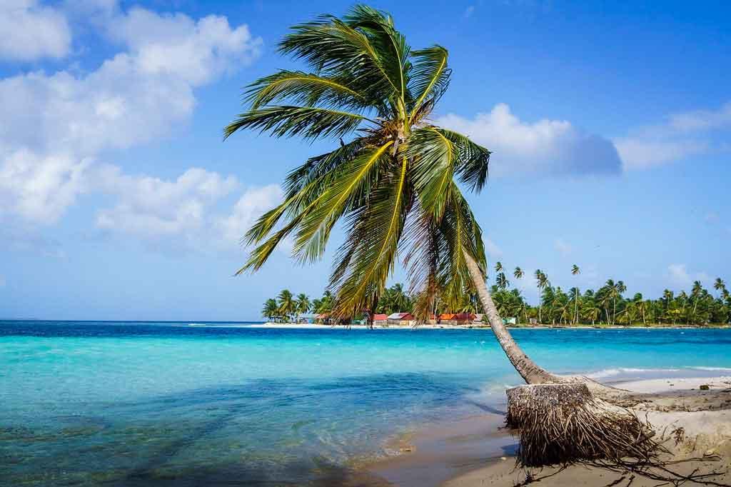 Turismo no Panamá praia las Lajas