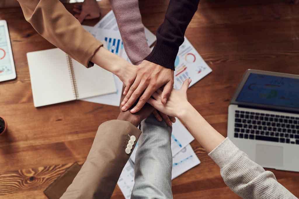 Viagem corporativa em grupo foque no objetivo