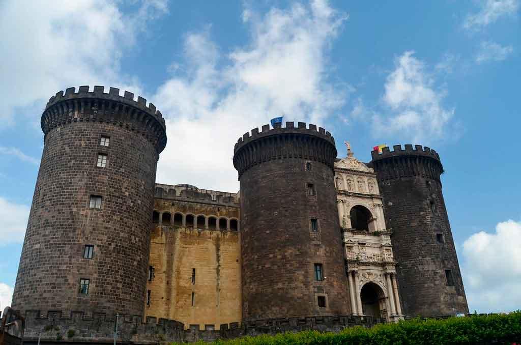O que fazer em Napoles Castel Nuovo