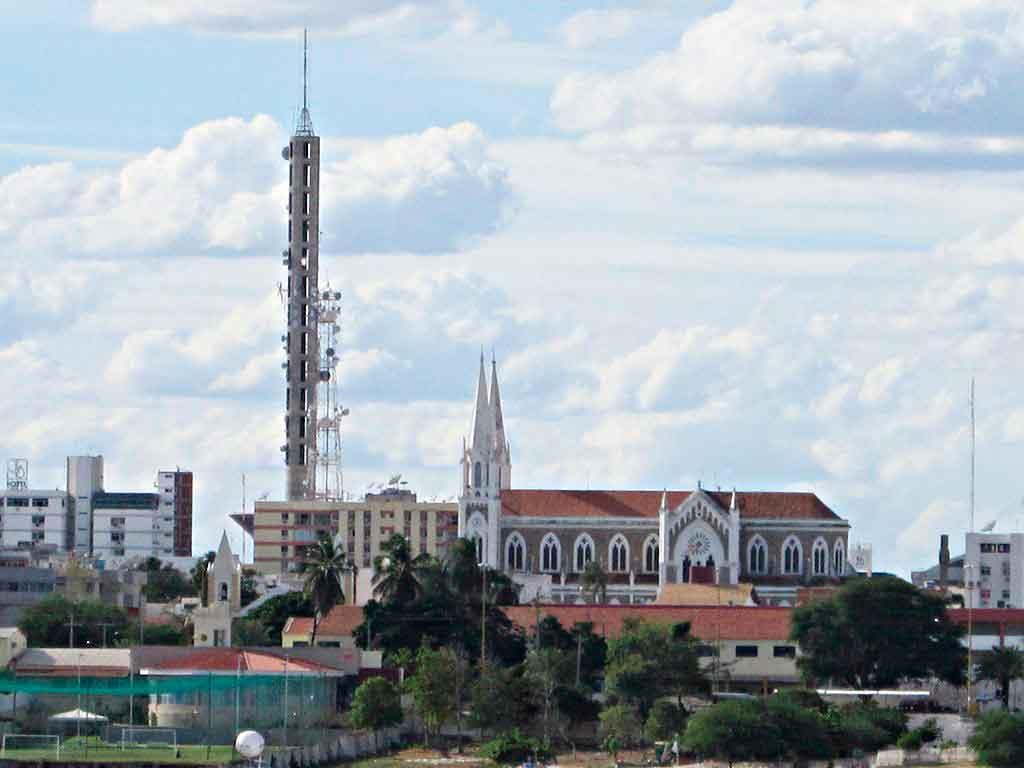 O que fazer em Petrolina e Juazeiro catedral de petrolina