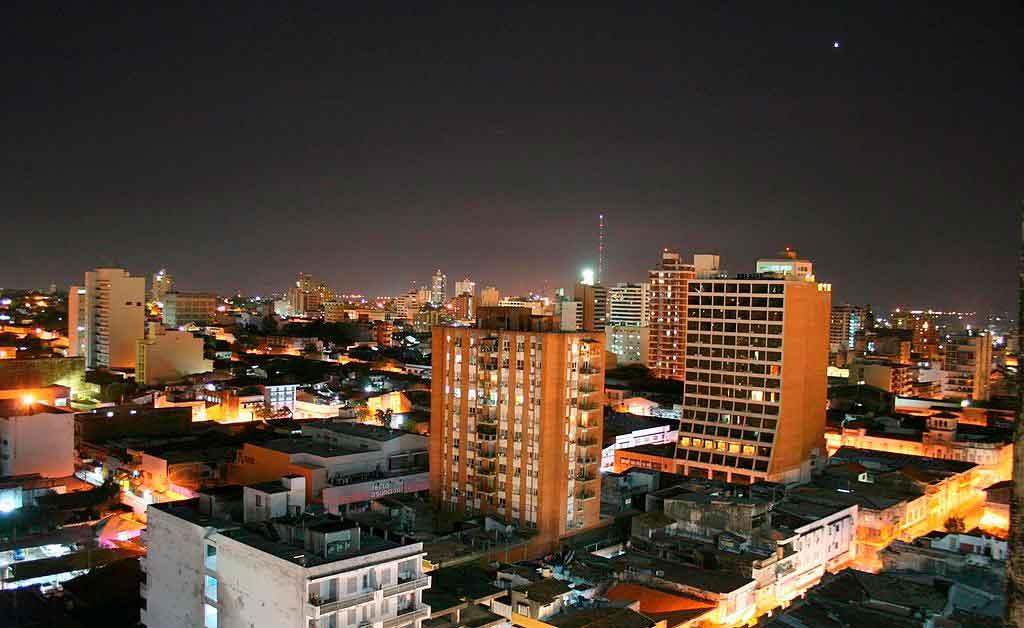 Assunção Paraguai a noite