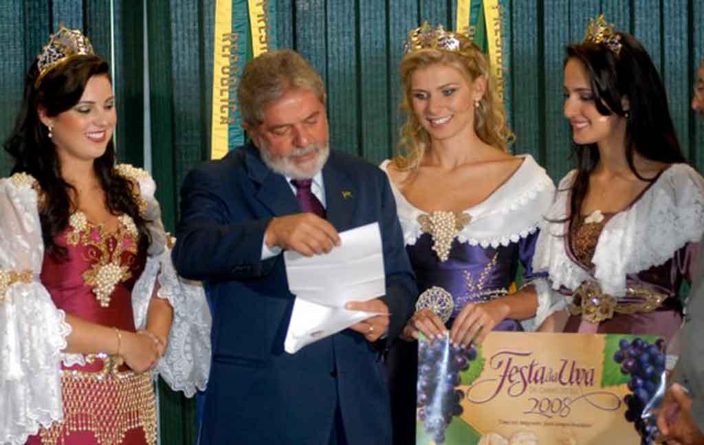 O que fazer em Caxias do Sul pavilhão festa da Uva