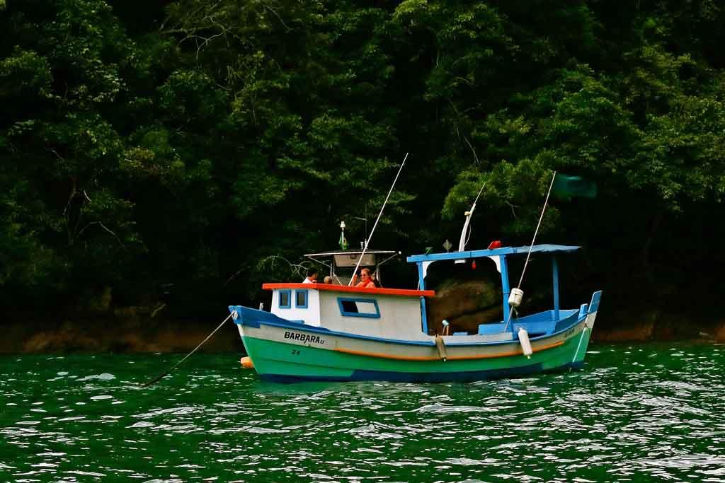 O que fazer em Ilhabela passeios de barco