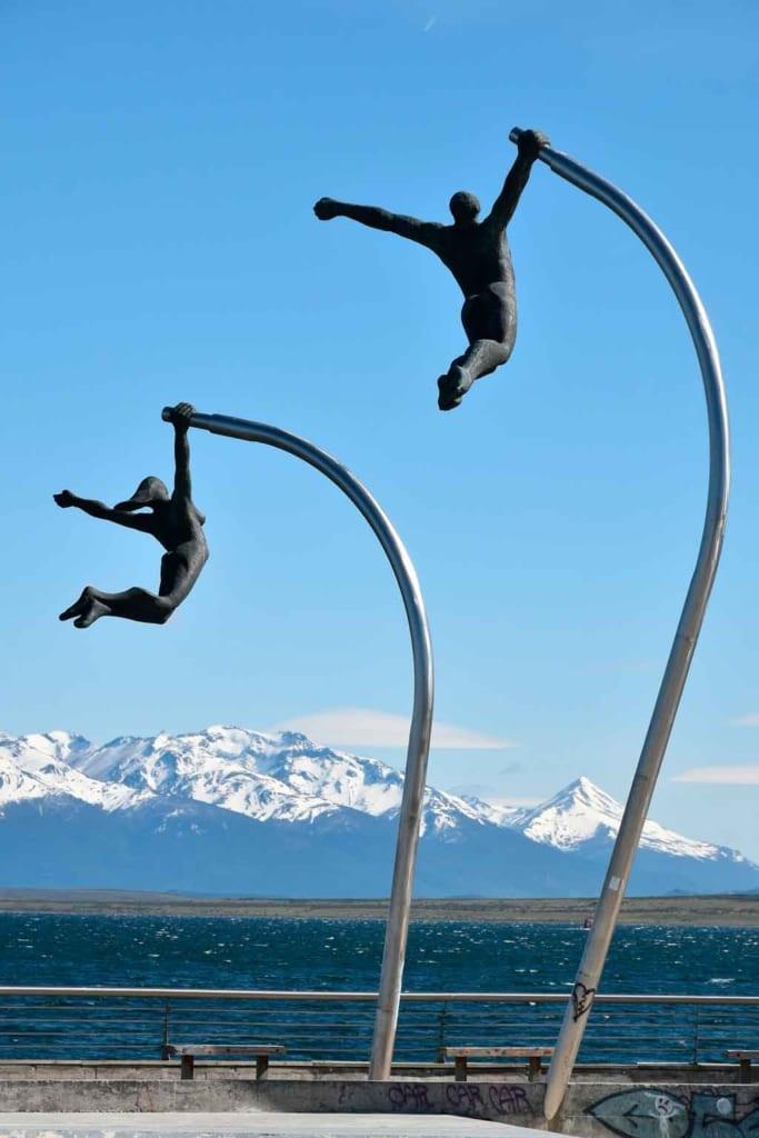 O que fazer em Puerto Natales monumento al viento