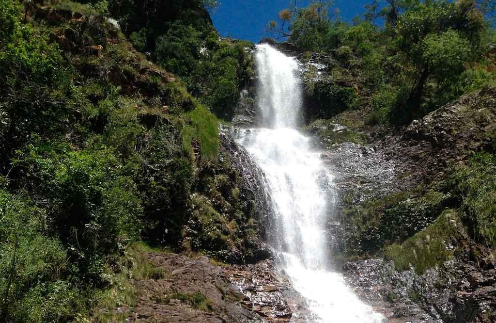 Parque nacional da Serra do Cipó cachoeira da caverna
