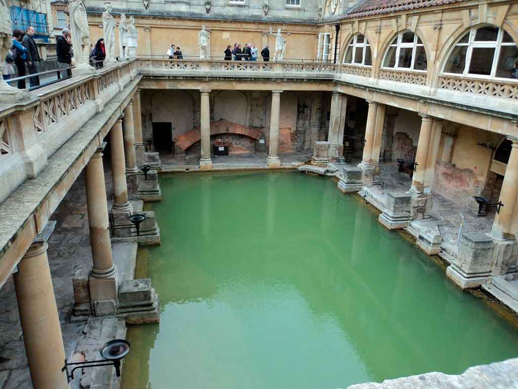 Pontos Turísticos da Inglaterra termas romanas de bath
