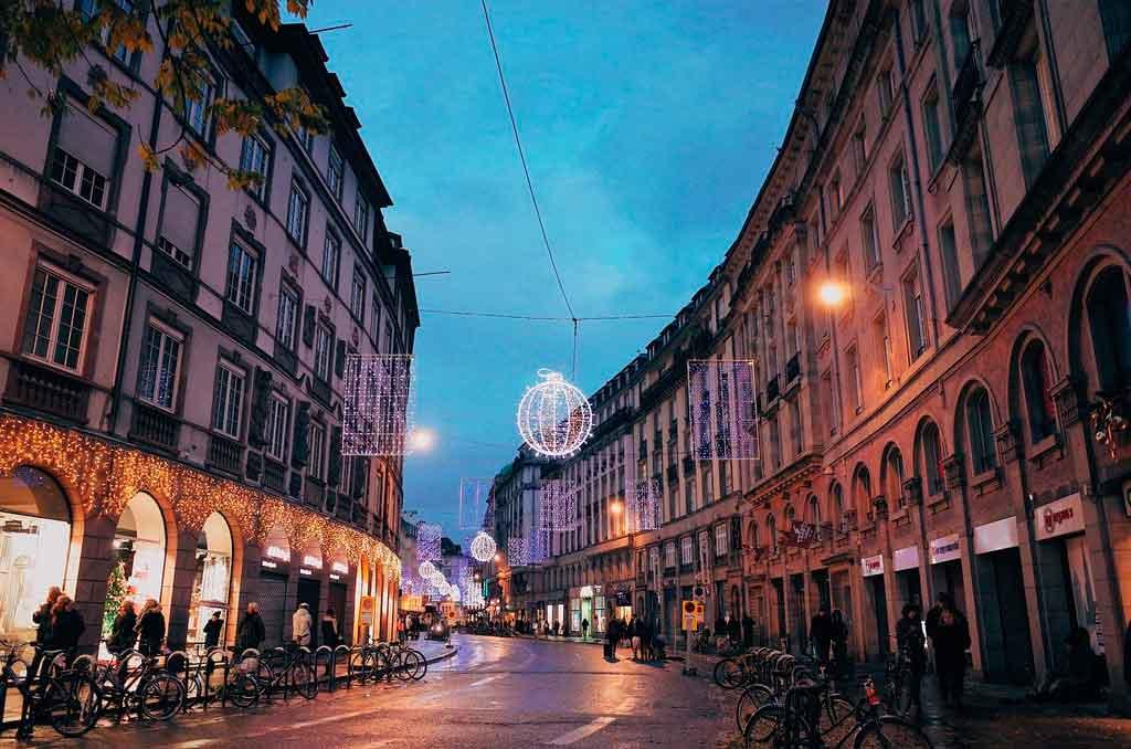 Estrasburgo, França Mercado de Natal