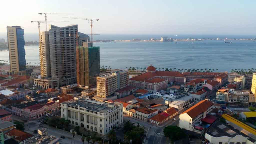 Paises que falam Portugues Angola