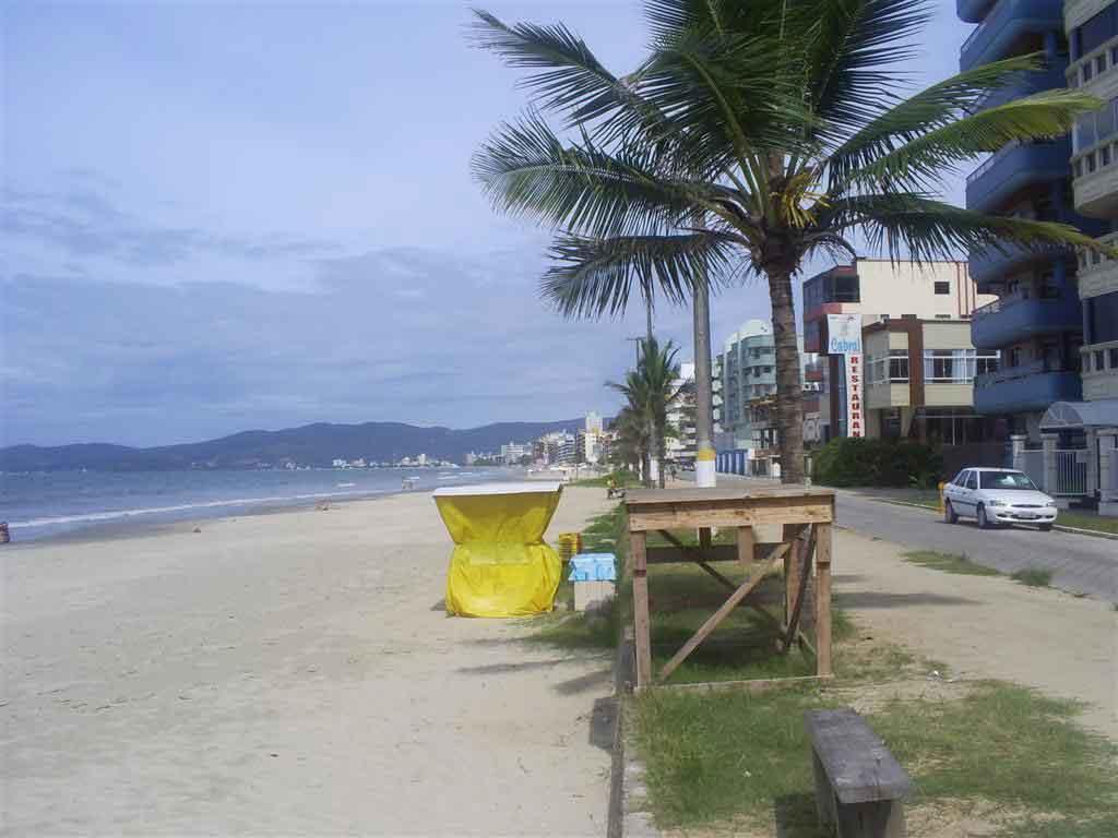 O que fazer em Itapema parque do calçadao de meia praia