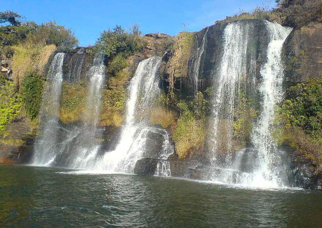 O que fazer em carrancas: cachoeiras