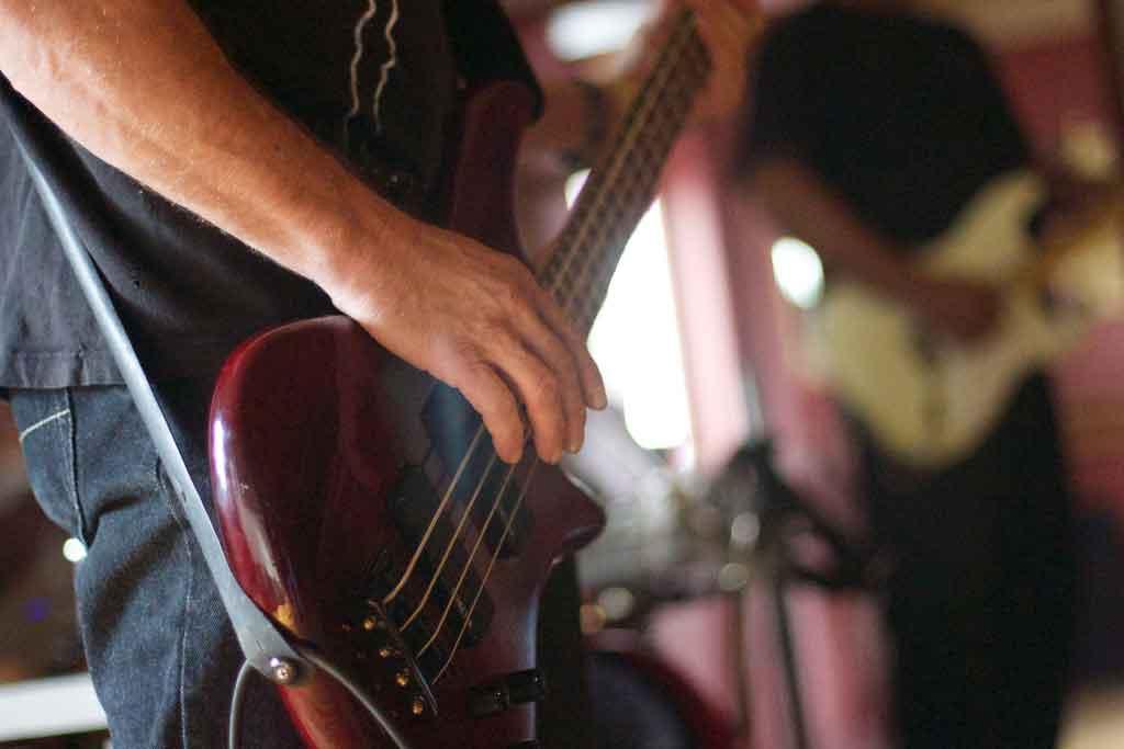 Bares em Curitiba: rock underground pub