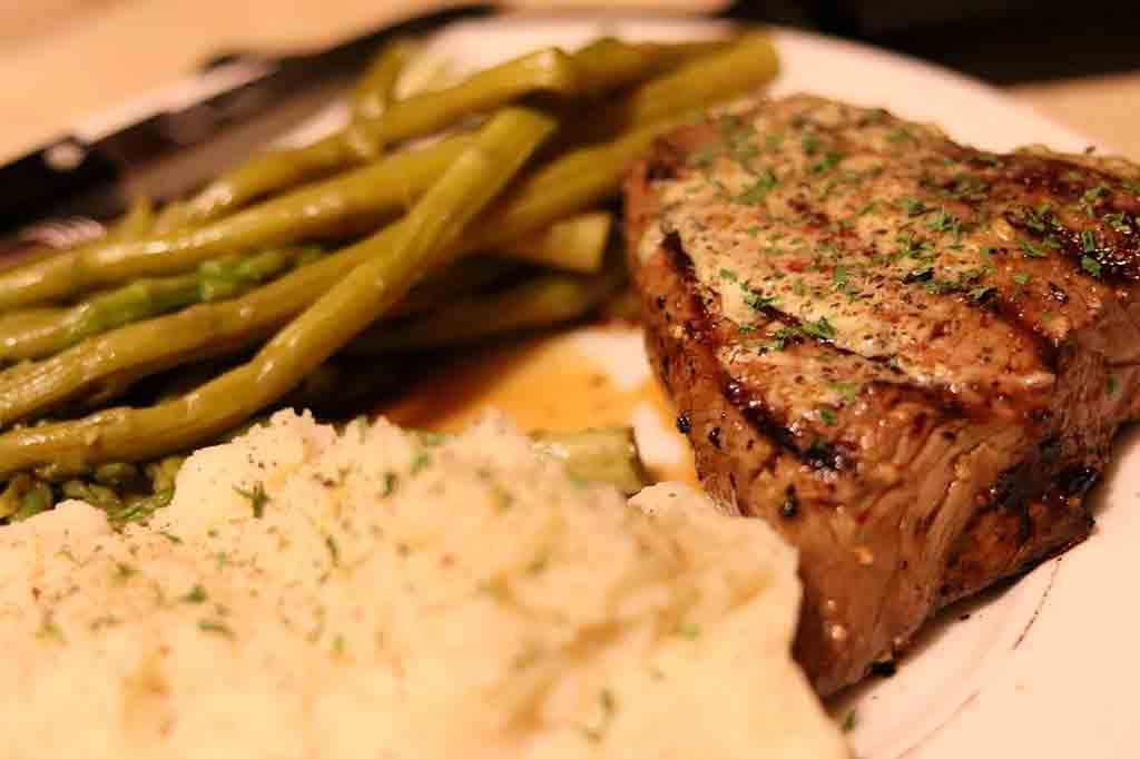 Almoço e jantar americano