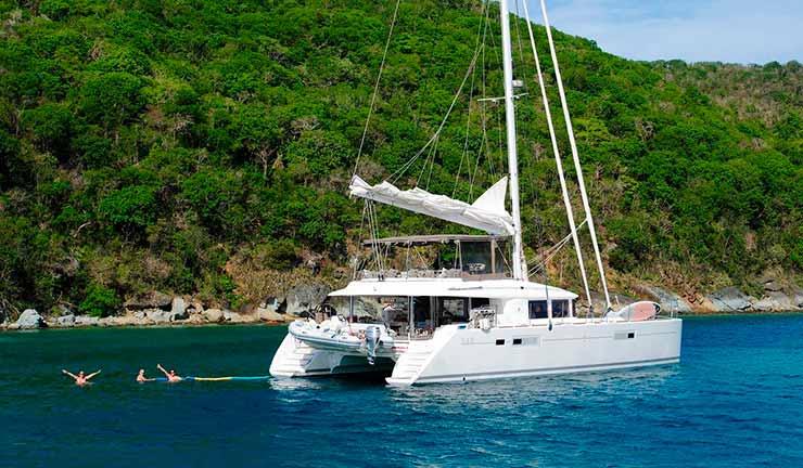 Quanto custa um passeio de catamarã?