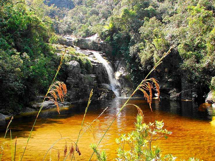 Turismo em Macacos MG cachoeira central