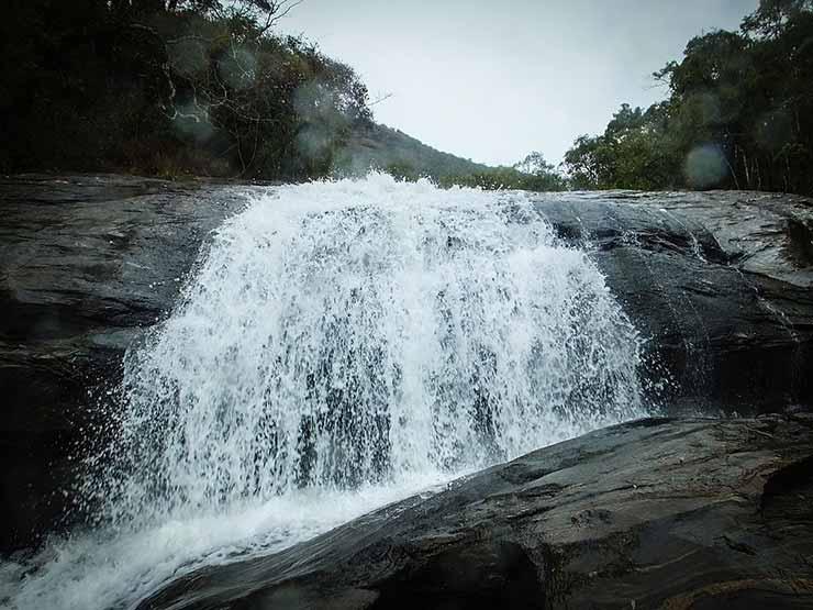 Turismo em Macacos MG: Cachoeiras