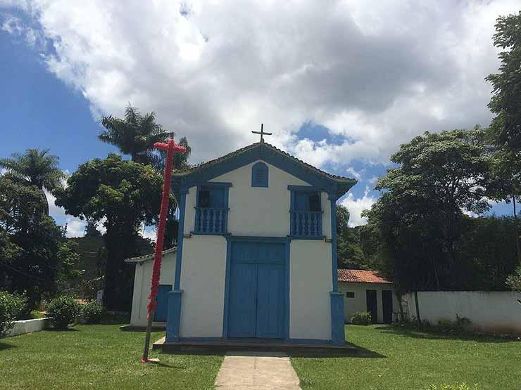 Turismo em Macacos MG: Igreja