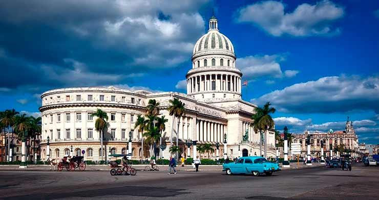 Turismo de Vacina: Cuba