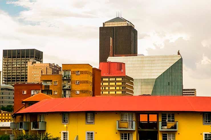 Qual a língua oficial de Joanesburgo?