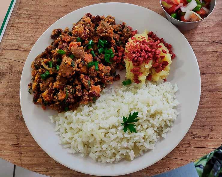 Prove a gastronomia típica de Barretos