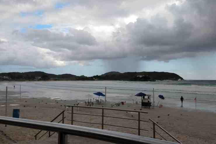 Qual praia mais vazia de Cabo Frio?