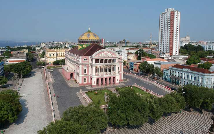 Qual a distância de Manaus para Presidente Figueiredo?